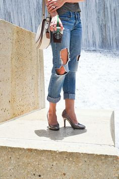 Casual style with Ssh-oes, the quiet, comfy heels. How to style boyfriend jeans and a t-shirt. The best way to wear heels with distressed jeans via Simplicity & Coffee blog
