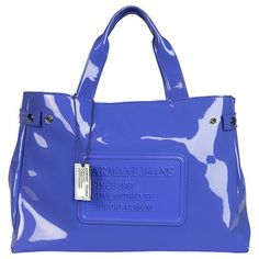 All for fashion design now present you the latest collection of armani bags . Fashion Handbags, Fashion Bags, Women's Fashion, Color Azul Rey, Jeans Azul, Le Closet, Beautiful Bags, My Bags, Fashion Forward