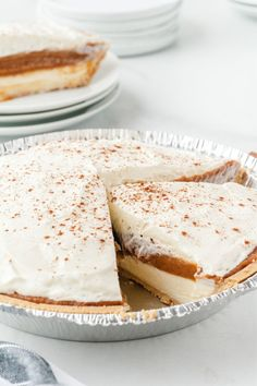 This No Bake Pumpkin Pie is a great twist on the classic pumpkin pie. It features a graham cracker crust filled with perfect layers of cream cheese, pumpkin and Cool Whip. Plus, since it's no bake, it's quick and easy to make. Best Pumpkin Pie, No Bake Pumpkin Pie, Pumpkin Pie Recipes, No Bake Pumpkin Cheesecake, Baked Pumpkin, Pumpkin Dessert, Lemon Dessert Recipes, Jello Recipes, Donut Recipes