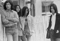 はっぴいえんどのセカンドアルバム『風街ろまん』のために、狭山で撮影。1971年9月(撮影/野上眞宏)