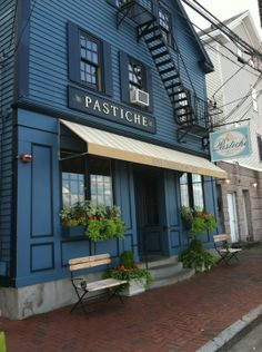 Pastiche is an intimate European-style café. In addition to dining in our cozy café, desserts can be purchased for take-out, either by the slice or as a whole cake. They also serve fine coffee, tea, jams and chocolates.