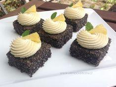 VÍKENDOVÉ PEČENÍ Dessert Recipes, Desserts, Cheesecake, Gluten Free, Cupcakes, Fruit Cakes, Food, Pizza, Tailgate Desserts