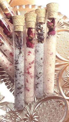 Recuerdos de boda con tubos de ensayo. Bath salt test tubes wedding favors.