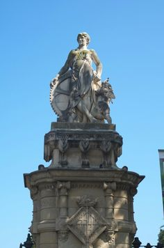 I loved seen all the monuments and statues all over the city