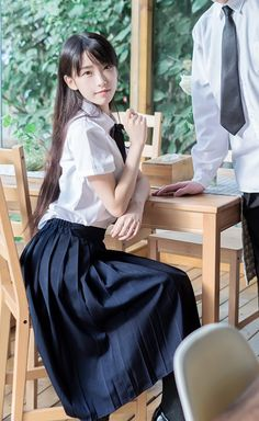 School Girl Outfit, School Uniform Girls, Cute Asian Girls, Cute Girls, Cute Kawaii Girl, Human Poses Reference, Sitting Poses, Beautiful Japanese Girl, Cute Poses