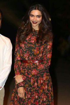 Deepika @lakmefashionshow 15 resort sabyasachi show