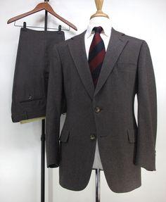 Christian Dior Brown Herringbone Wool Two Button Men Wool Suit USA 40R 36W 30L #ChristianDior #TwoButton