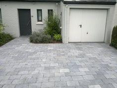 Patio Diy, Backyard Patio, Diy Terrasse, Garden Yard Ideas, Front Yard Landscaping, Entrance, Garage Doors, Entryway, Exterior