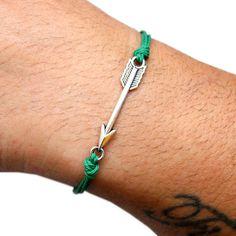 Pulseras de la amistad - Arrow - choose color - hecho a mano por SheAndHe en DaWanda #moda #hombre #modamasculina #bisuteríahombre #pulserashombre #DaWanda #fashion  #hechoamano #diseño #handmade #DIY