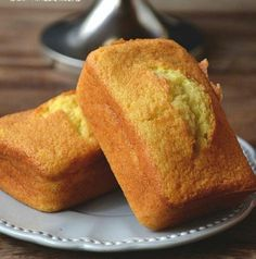 Beat and Bake Orange Cake - prostarworld Orange Recipes, Sweet Recipes, Cake Recipes, Delicious Desserts, Yummy Food, Pan Dulce, Healthy Sweets, Sweet Cakes, Homemade Cakes