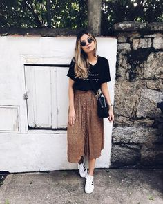 Cozy Spring Skirt Outfits Ideas To Try Asap - Leggings are a great choice this coming spring for girls outfits. A personal favorite is TutuLegz because they have the lightweight tutu attached to t. Mode Outfits, Fashion Outfits, School Outfits, Fashion Ideas, Mode Inspiration, Look Fashion, Fashion Women, Fashion Moda, Trendy Fashion