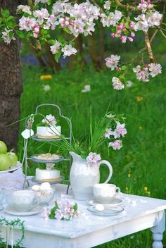 Tea on a summer afternoon ...
