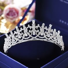 Ladies Beautiful Zircon Tiaras With Cubic Zirconia (Sold in single piece) Headpiece Jewelry, Headpiece Wedding, Hair Jewelry, Wedding Jewelry, Black Tiara, Tiara Hairstyles, Crystal Crown, Crown Headband, Tiaras And Crowns