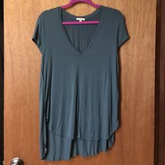 Woman's top bought from anthropology Great top Anthropologie Tops Tees - Short Sleeve