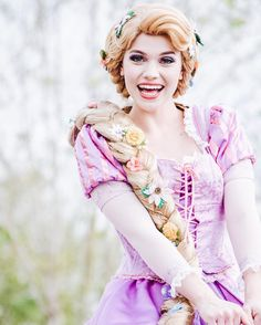 Check out Disney Cosplay at its best! Disney Princess Cosplay, Disney Princess Rapunzel, Disney Cosplay, Disney Costumes, Disney Princesses, Disneyland World, Walt Disney World, Rapunzel And Eugene, Disney Face Characters