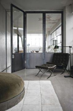 Industriele deuren - industrieel interieur - industriële woonkamer