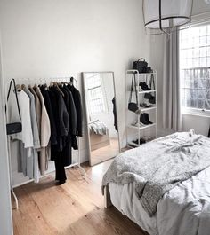 14 Fabulous Rustic Chic Bedroom Design and Decor Ideas to Make Your Space Special - The Trending House Small Apartment Bedrooms, Small Apartments, Dream Rooms, Dream Bedroom, Dream Closets, Cozy Bedroom, Room Decor Bedroom, Bedroom Inspo, Aesthetic Room Decor