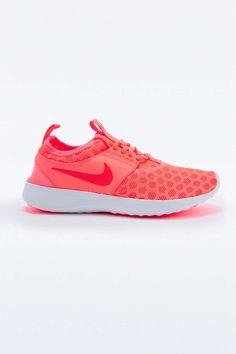 Nike Juvenate Trainers in Coral