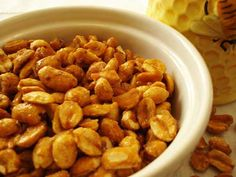 Homemade Honey Roasted Nuts - looks so easy :-) Why would you buy them? Also perfect for honey roasted peanut butter:) Honey Roasted Peanuts, Roasted Nuts, Peanut Recipes, Snack Recipes, Yummy Recipes, Roast Peanuts Recipe, Serious Eats, Healthy Snacks, Peanuts