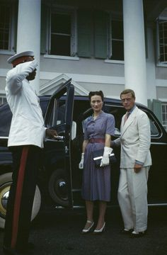 A chauffeur salutes as Wallis, Duchess of Windsor and the Duke of Windsor get into a car outside Goverment House in Nassau, the Bahamas, circa The Duke of Windsor served as Governor of the. Get premium, high resolution news photos at Getty Images John Charles, Prince Charles, William Kate, Royal Prince, Prince Of Wales, Princess Mary, Queen Mary, Eduardo Viii, Edward Windsor