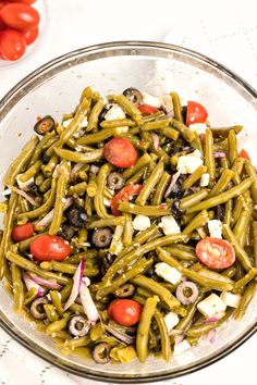 This deliicous salad can be made with canned or fresh cooked green beans.s the perfect side dish for anytime of the year. Delicious Green Beans, Can Green Beans, Frozen Green Beans, Green Bean Salads, Green Bean Recipes, Italian Salad, Feta Salad, Salad Ingredients, Soup And Salad