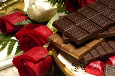 Valentine day chocolate HD wallpaper | Chocolate Images and photos gallery. Send amazing pictures of the Chocolates on Valentines day 2015.