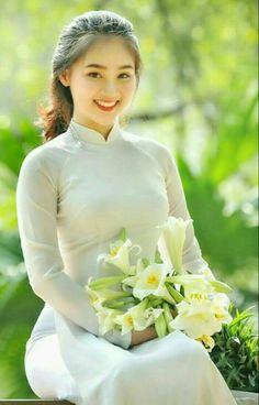 Photo Sexy Girl shoot model photo - The hot girl beautifully fascinated - Ao Dai, Traditional Fashion, Traditional Dresses, Vietnamese Traditional Dress, Vietnamese Dress, Vietnam Girl, Beautiful Asian Women, Up Girl