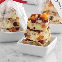 Festive White Chocolate Fudge with orange zest, dried apricots & cranberries!