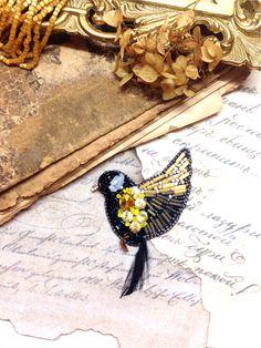 """Beaded brooch bird / Купить Брошь""""Синица"""" - брошь синица, синица, синичка, авторская ручная работа, ручная работа"""
