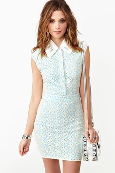 Daisy Sky Lace Dress in Lookbooks February Lookbook: Tripping Daisies at Nasty Gal
