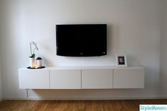tvbänk - i stil med den här. Köksskåp från t. Living Room Sectional, Home Living Room, Living Room Decor, Bedroom Decor, Living Room Tv Unit Designs, Interior Design Living Room, Living Room Tv Cabinet, Bed Frame With Storage, Rack