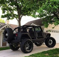 Blacked out built Jeep Jeep Wrangler Rubicon, Jeep Wrangler Unlimited, Jeep Wranglers, Jeep Jk, Jeep Truck, Best Midsize Suv, M Bmw, Suv Comparison, Badass Jeep