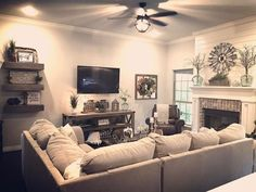 Awesome 56 Relaxing Small Living Room Decor Ideas With Fireplace. - Home Decoration Living Room Tv Wall, Small Living Rooms, Living Room Tv, Farm House Living Room, Small Living Room Decor, Room Layout, Living Decor, Living Room Sectional, Small Living Room Layout