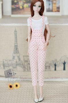 dresses for doll Barbie Crochet Gown, Barbie Gowns, Barbie Dress, Sewing Barbie Clothes, Barbie Clothes Patterns, Diy Clothes, Accessoires Barbie, Barbie Mode, Barbie Fashionista Dolls