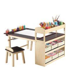 .Uma mesa de pintura e desenho linda, que reúne tudo o que o pequeno precisa para criar!!! Quando a filhota crescer um pouquinho, vai ganhar uma dessas!