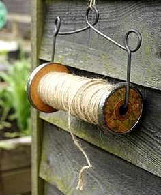 Cute idea for hanging twine in/on a potting shed. One always needs twine in a garden. Garden Projects, Garden Tools, Diy Projects, Garden Sheds, Dream Garden, Garden Art, Garden Design, Potting Sheds, Wooden Spools
