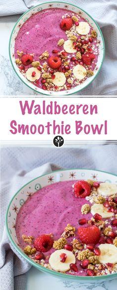 Einfache und vegane #Waldbeeren #Smoothie #Bowl mit nur wenigen Zutaten! Rezept auf www.eat-vegan.de