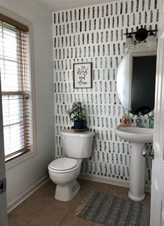 wallpaper accent wall DIY Sponge Accent Wall- Yes, you read that correctly. Do you have a boring wall that is dying for something fun Swap out that paint brush for a sponge and have a gorgeous accent wall in no time. Diy Wand, Diy Sponges, Diy Bathroom, Bathroom Updates, Bathroom Small, Wallpaper Accent Wall Bathroom, Bathroom Ideas, Paint For Bathroom Walls, Bathroom Inspiration
