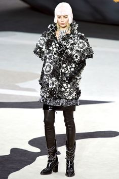 Chanel Fall 2013 Ready-to-Wear Collection Photos - Vogue
