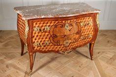 Commode galbée époque Louis XV, Est de la France