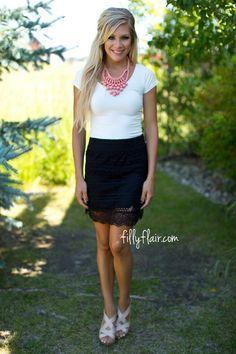 Woven Skirt in Black