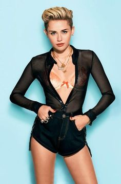 Miley Cyrus in Cosmopolitan December 2013 - Star Hollywood Hannah Montana, Disney Channel, Zumba, Lgbt, Miley Cyrus Pictures, 10 Picture, Liam Hemsworth, Pixie Hairstyles, Female Singers