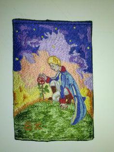 """Η κοπελίτσα αυτή ζήτησε απο """"Το Δωράκι"""", μια κεντημένη καπνοθήκη με θέμα τον μικρό πρίγκιπα!  Ιδού λοιπόν τα αποτελέσματα...  #Χειροποίητη #καπνοθήκη #μικρόςπρίγκιπας #LittlePrince #tobaccocase"""