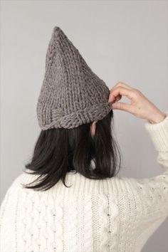 オシャレで可愛いニット帽を、 コーデに取り入れたくなる季節がやってきました。 暖かいだけではなく、コーデのアクセントや 目線UPにも使えるニット帽♪ そんなニット帽を使った素敵コーデをご紹介します!