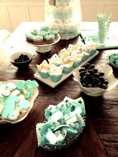 babyshower, suprise, fun, diapercake, cupcakes, pregnant, outandabout, friends, kos, bliss, its a boy, blue, candy, cookies, grapes, straw,decor