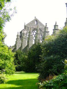 Holyrood Abbey Ruins - Palace of Holyroodhouse - Edinburgh - Scotland - UK / Photo: Re Lacerda