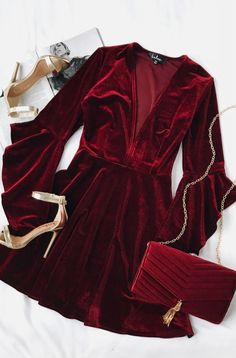 Take a twirl in the Wrapped in Luxe Burgundy Velvet Bell Sleeve Skater Dress! Soft and stretchy velvet skater dress with bell sleeves. Mode Outfits, Dress Outfits, Fashion Outfits, Womens Fashion, Dress Fashion, Fashion Trends, Holiday Outfits, Fall Outfits, Dinner Party Outfits