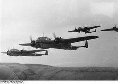 German Do 17 Z bombers in flight circa 1940. Credit: Bundesarchiv Bild 101I-342-0603-25.