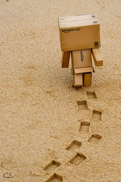 Let's make an new story as 2020 going to start with new folders. Danbo, Eid Background, Box Robot, Amazon Box, Board Game Design, Cute Friend Pictures, Cute Box, Cute Friends, Little Boxes