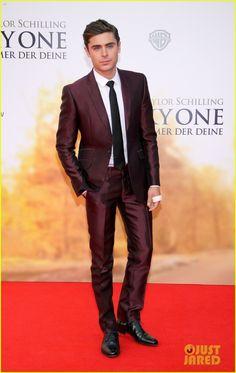 Zac Efron. Maroon suit ❤